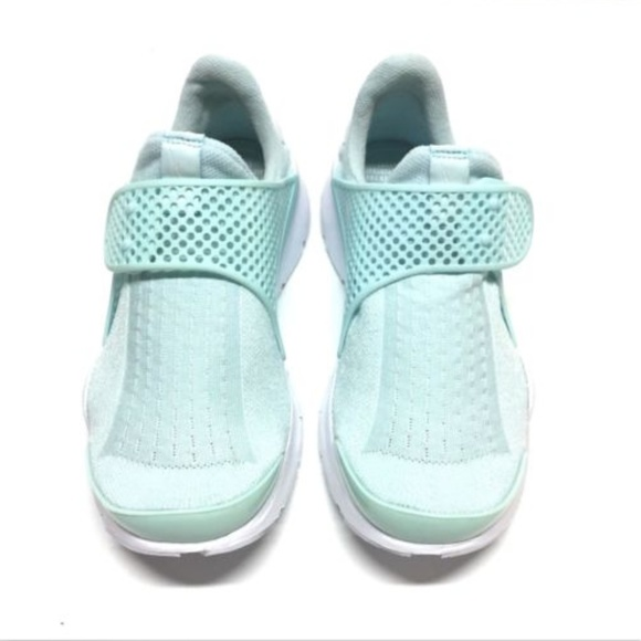 new style 6bbfc 03fb1 Nike Sock Dart Glacier Blue Women Running Shoes. M 5b0324029d20f0bcdbecb4d5